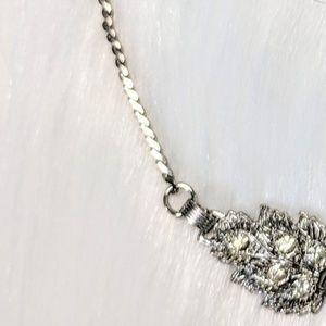 Jewelry - Leaf Statement Necklace